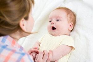 Cha mẹ cần chú ý gì khi trẻ giai đoạn 1-2 tuổi